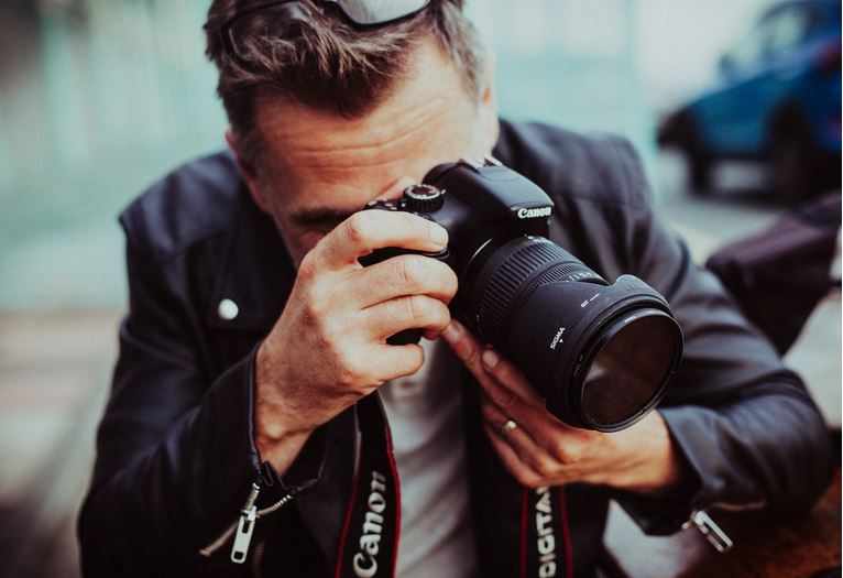 How to Get into The Wedding Photography Industry
