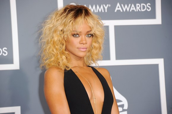 Rihanna Goes Blonde